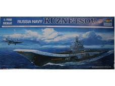 TRUMPETER 小號手 俄羅斯海軍庫茲涅佐夫號航空母艦 1/700 NO.05713 (T)