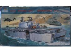 TRUMPETER 小號手 USS TARAWA LHA-1 1/700 NO.03101