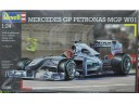 "REVELL ""Petronas"" Mercedes MGP W01 1/24 NO.07098"