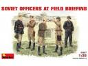 MiniArt SOVIET  OFFICERS  AT  FIELD  BRIEFING NO.35027